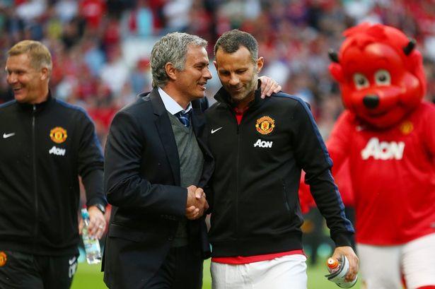 Giggs Berikan Suport pada Mourinho