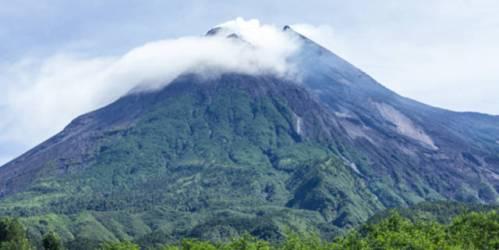 misteri dan fenomena gunung merapi