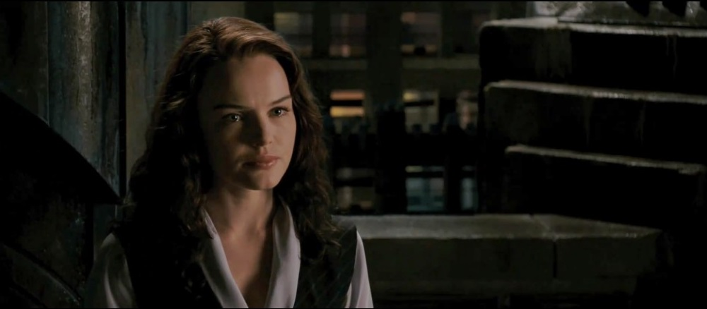 Kate Bosworth as Lois Lane, rather than taking any initiative she was intended on blending in with the rest of the cast as a side character.