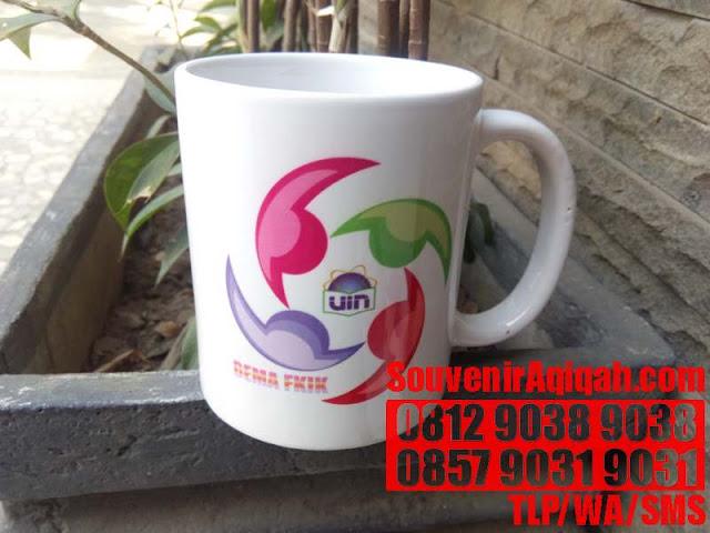 GELAS BUAT DI CAFE JAKARTA