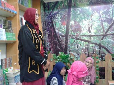 Sambutan Pembuka oleh Founder Tapis Blogger, Naqiyyah Syam