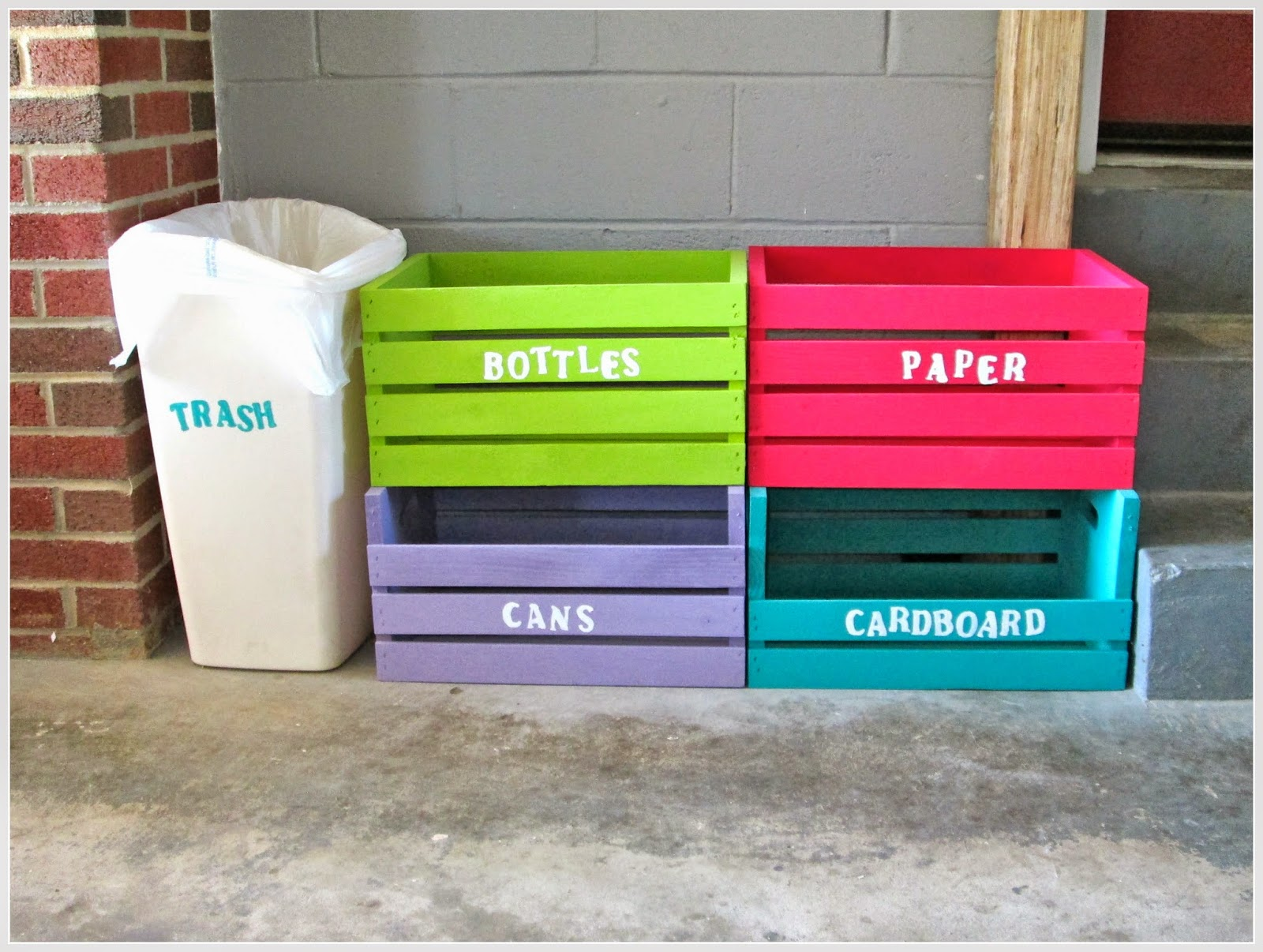 Laura 39 s plans easy d i y home recycling center for Creative recycling ideas for the home