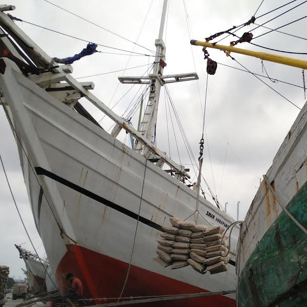 Kapal Pinisi, Pelabuhan Sunda Kelapa dan Cerita Tentang Bapa