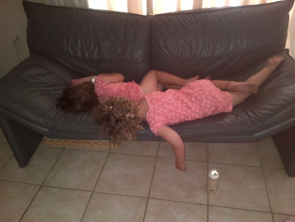 15+ Hilarious Pics That Prove Kids Can Sleep Anywhere - Twins Sharing 1 Sofa For Napping...