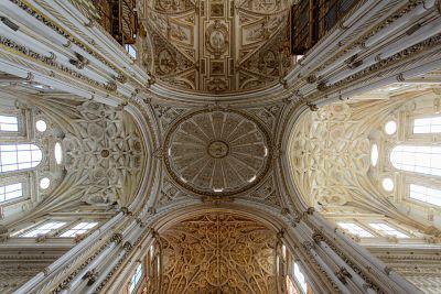 Iglesia-crítica-reseña-Marian Ruiz