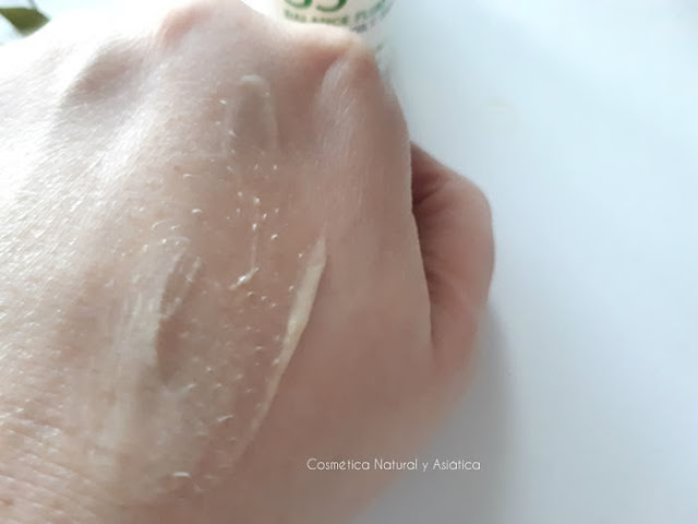s5-skincare-balance-fluid-textura