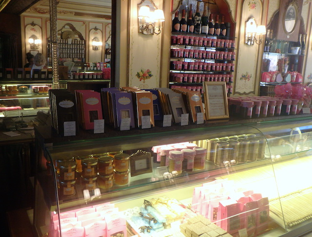 Patisserie Miremont in Biarritz