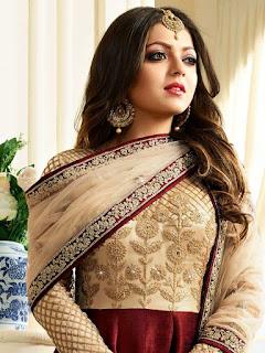 Biodata Drashti Dhami Pemeran Naina Raghav Mehra
