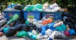 Με το βάρος θα ζυγίζονται πλέον τα σκουπίδια που θα πετάνε οι πολίτες. «Πληρώνω όσο πετάω» είναι το νέο σχέδιο που θα τεθεί σε εφαρμογή σύμφ...