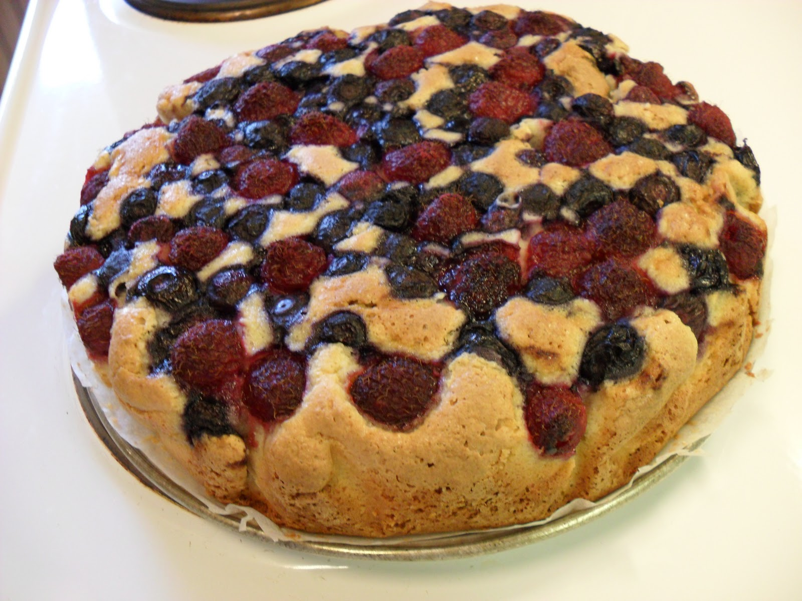 Madnørden: Blåbærtærte med et drys af havens hindbær :)
