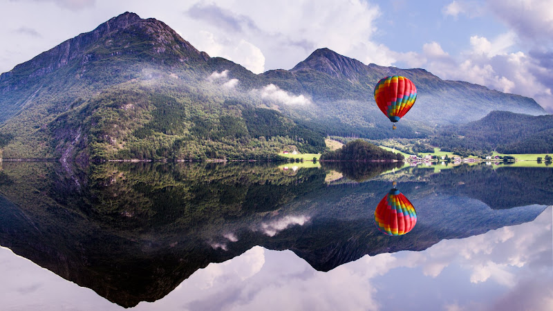 Fly in a Hot Air Balloon HD
