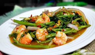 cara memasak cah kangkung enak,cara memasak cah kangkung terasi,cara memasak tumis kangkung saus tiram,cara memasak tumis kangkung agar tidak hitam,cara memasak tumis kangkung agar tetap hijau,