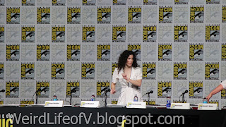 Maril Davis arriving on stage for the Outlander Panel