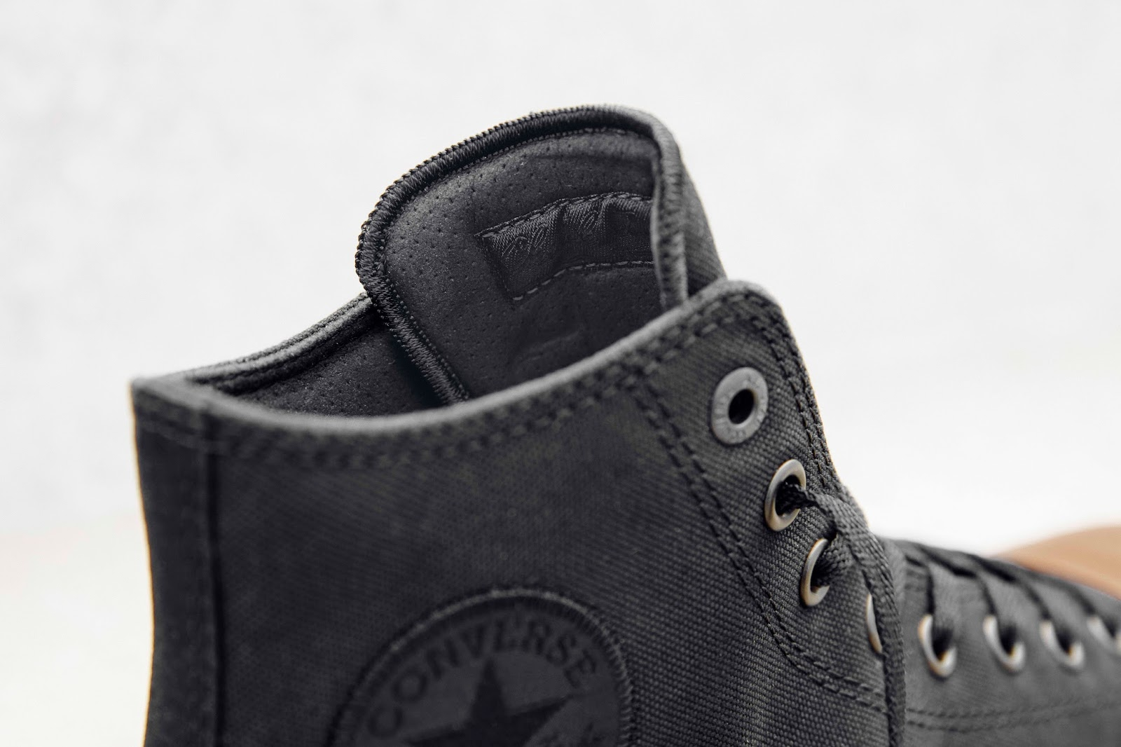 Converse Chuck Taylor All Star II Gumsole Hi in Black