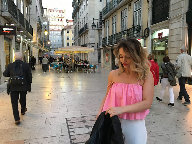 Lisbon, portugal travel, lisbon fashion,  lisbon streetstyle, torontofashionblogger, culottes, palazzo pants, summer outfit inspiration, blogger summer outfit, how to wear white pants, how to wear pink, best canadian fashion blogger, zara pants, zara fashion, zara outfit