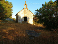 Crkva sv. Nedilja, Selca, otok Brač slike