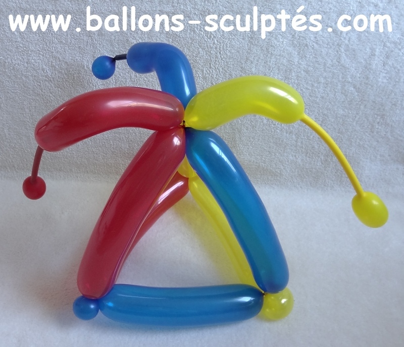 ballons sculpt s chapeau d 39 arlequin en ballons. Black Bedroom Furniture Sets. Home Design Ideas