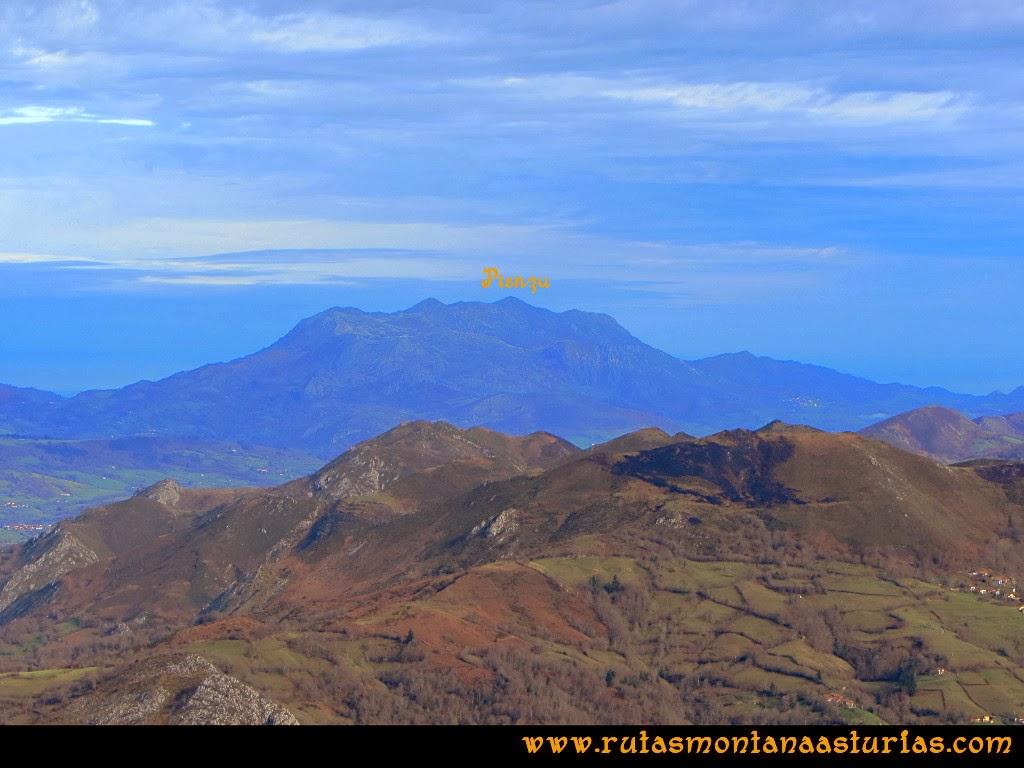 Vista de la sierra del Sueve desde la Colladina