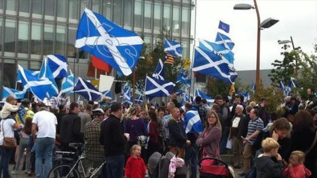 Escoceses vuelven a tomar las calles a favor de la independencia