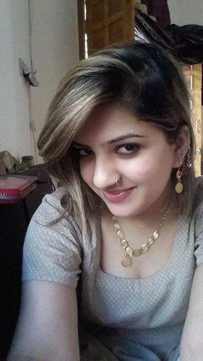 Pakistani Housewife  Unseen Photos-8735