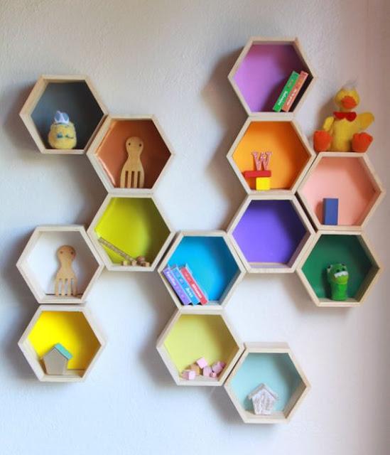 アイスキャンディーの棒で作るハニカムウォールラック, Handmade honeycomb wall rack by popsticks, 棒冰的棒变为六角形挂墙木架