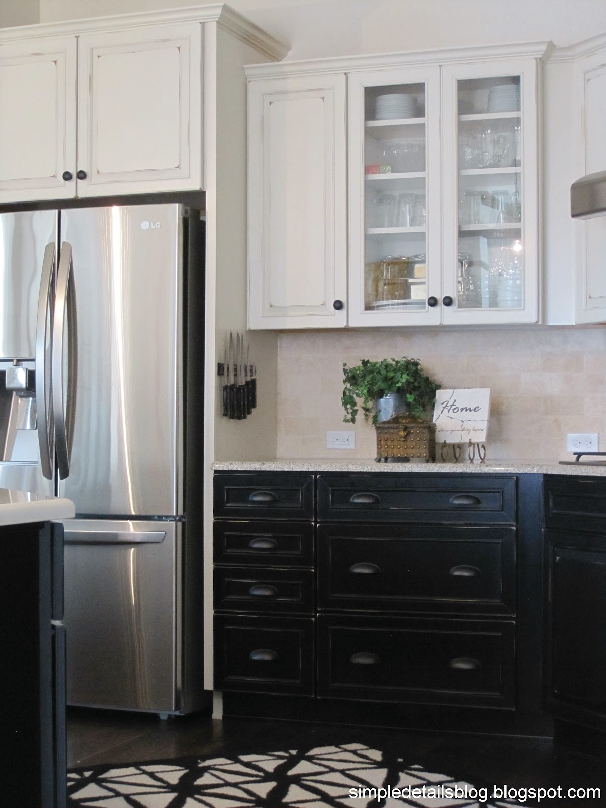 Black Base Cabinets White Upper Cabinets Simple Details Builder Beige To Black Beauty