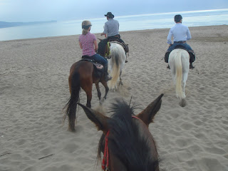 Katalonia, Espanja, riitta reissaa, ratsastusmatka, rantalaukka