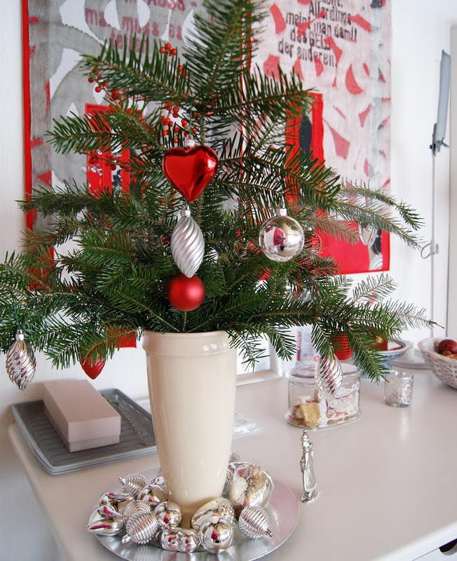 aussen deko weihnachten die besten 10 weihnachtsdeko aussen ideen auf pinterest. Black Bedroom Furniture Sets. Home Design Ideas