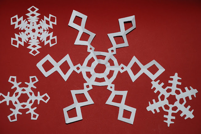 6 sided Paper Snowflake from Red Ted Art