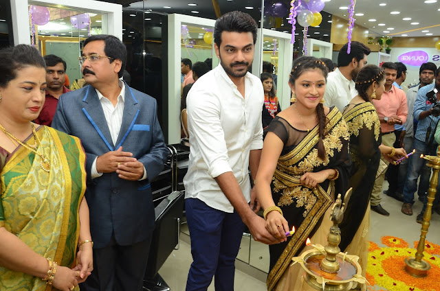 Actress Priya Inaugurates Naturals Lounge Salon at Somajiguda