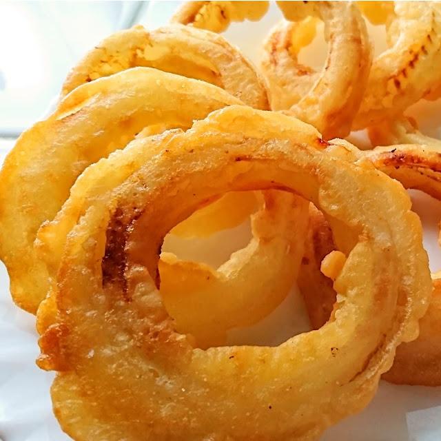 食べ過ぎ注意!カリカリ食感がおいしいオニオンリングのレシピ