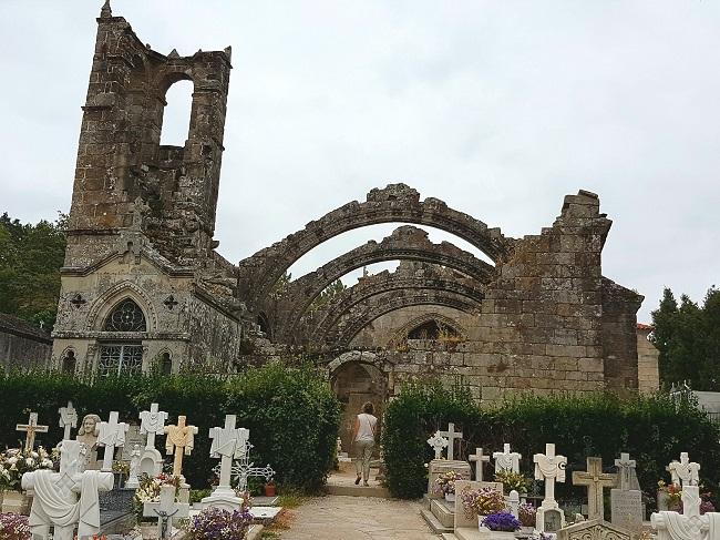 Ruinas de Santa Mariña de Dozo