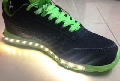Night Shoes – Trik Membuat Sepatu malam, Menyala dalam Gelap