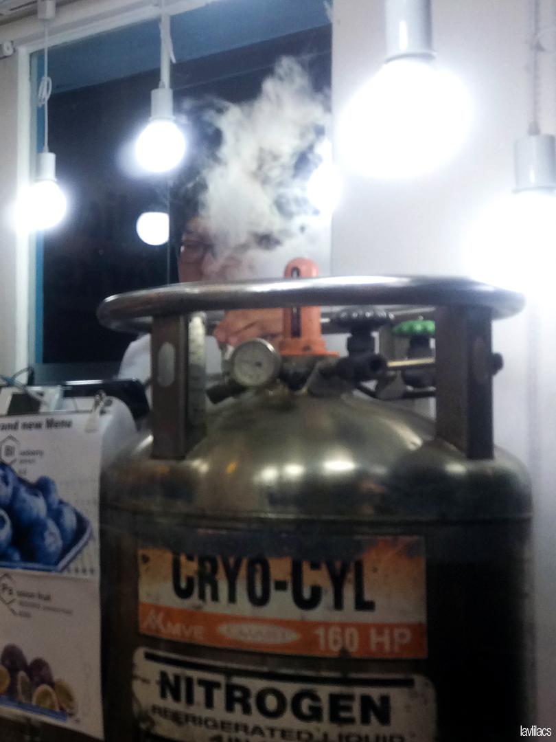 Seoul, Korea - Summer Study Abroad 2014 - Edae Solid Works Liquid Nitrogen Ice Cream
