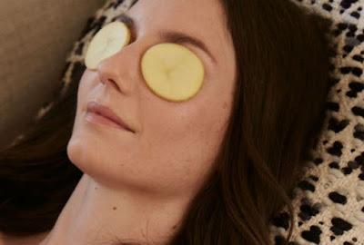 Cách chữa quầng thâm mắt nhanh nhất bằng khoai tây