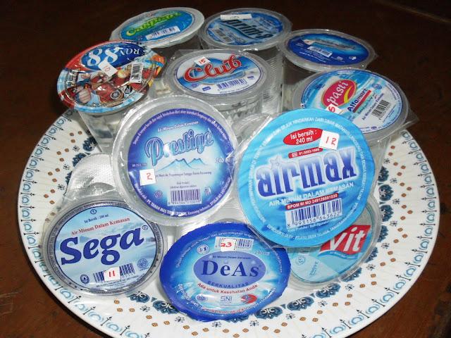 INI Daftar 11 merk air minum dalam kemasan (AMDK) gelas tidak layak minum. Tolong sebarkan !!!
