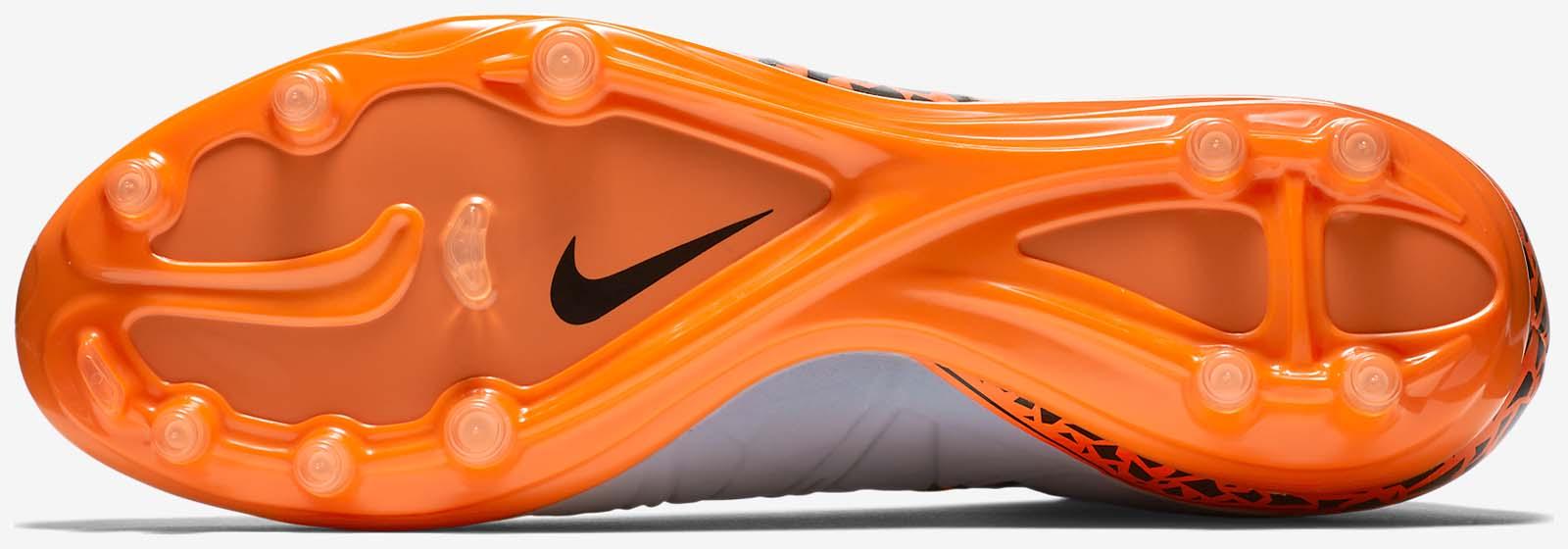 917a12550 Nike Hypervenom Phantom 2 vs Nike Hypervenom Phatal 2 Dynamic Fit ...