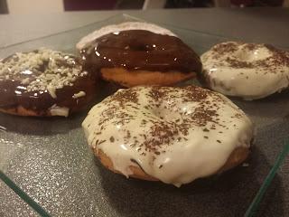 DONUTS DE CHOCOLATE blanco y negro