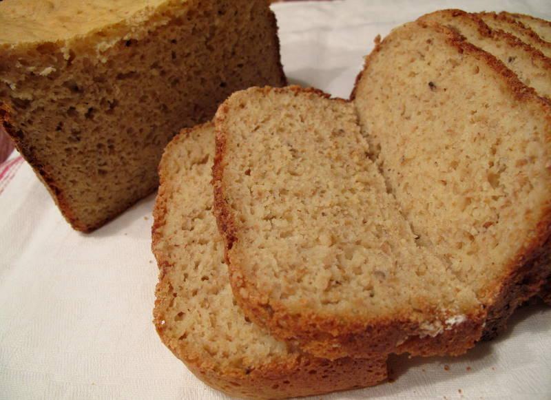 Gluteeniton ruokavalio: Gluteeniton leipä koneella