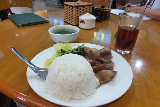 lunch-nooibairport ノイバイ空港のレストランランチ定食