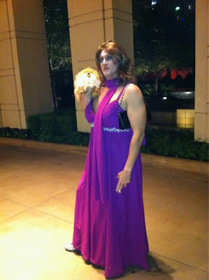 drew ginsberg from most eligible dallas took to the streets dressed as fellow reality bravo reality star lisa vanderpump from real housewives of beverly