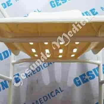 distributor kursi mandi pasien