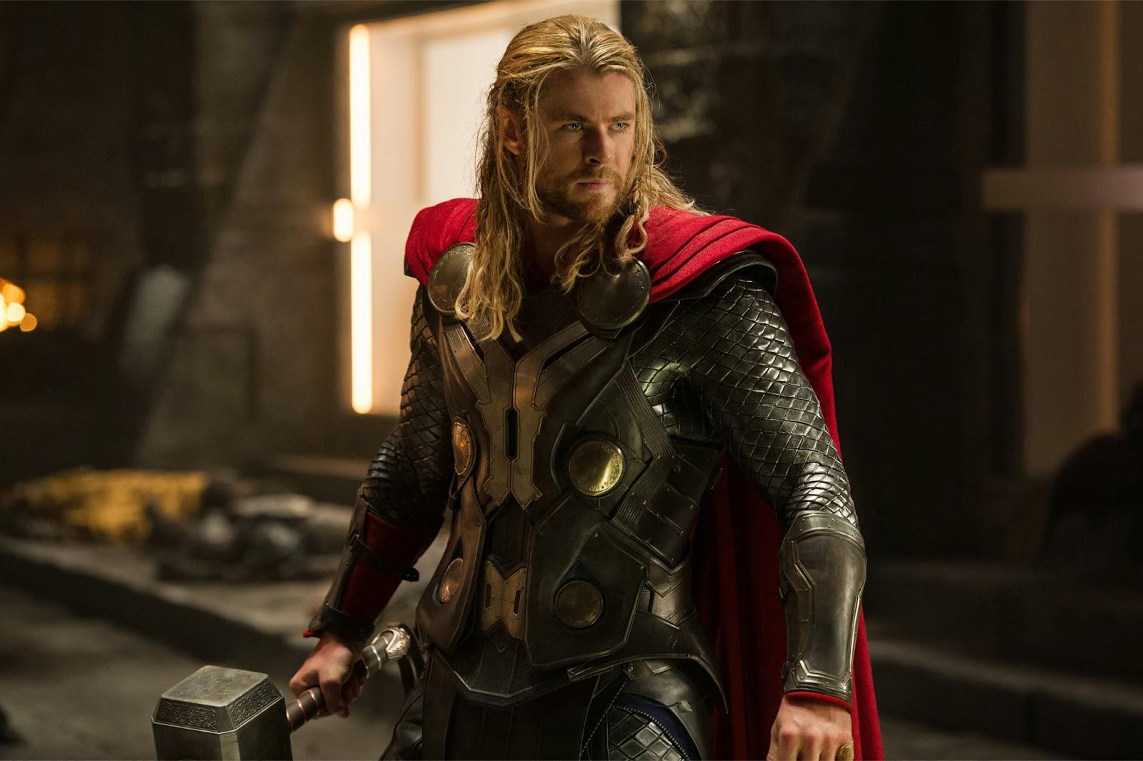 Thor's hammer Mjolnir Toilet paper holder : ようやく手にした大事なトイレットペーパーだから、ヒーロー扱いしてやりたい ! ! というマーベル・ファンが待望の雷神ソーのハンマーのムジョルニア型のホルダー ! !