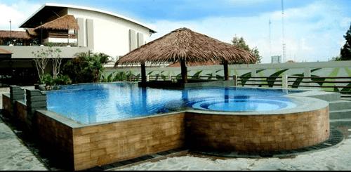 Swimming Pool Banana Inn Hotel