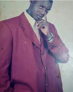 "Throwback photo of comedian AY in ""five plots of suit"""