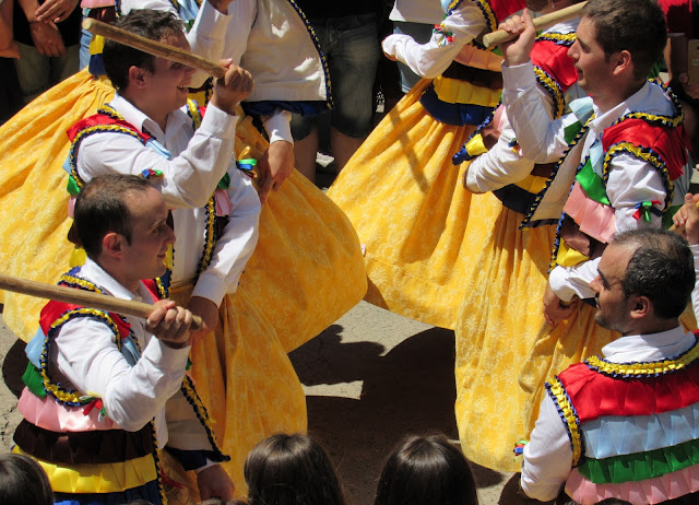 Danza de los troqueaos en Anguiano