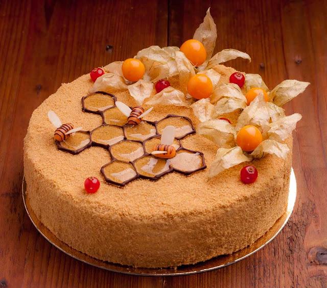 украшение торта медовика в домашних условиях