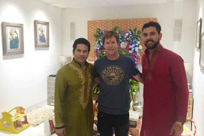 Sachin Tendulkar Celebrated Ganesh Chaturthi  With Jonty Rhodes of SA and Yuvraj at his Residence