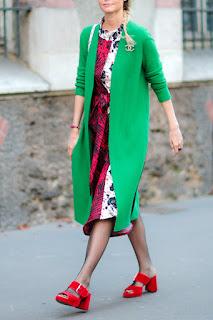 сочетание красного и зелёного в современной одежде