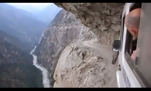 http://www.funmag.org/video-mag/mix-videos/wonderful-cliffside-road-video/